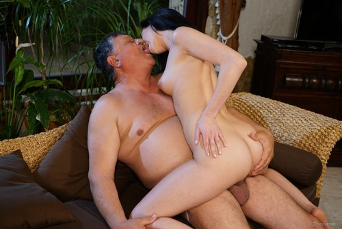 [GrandpasFuckTeens] Nikki Fox – (Vacancy For One)