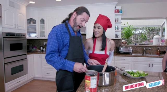 [DaughterSwap] Gianna Gem, Savannah Sixx – Culinary Cock Cuties