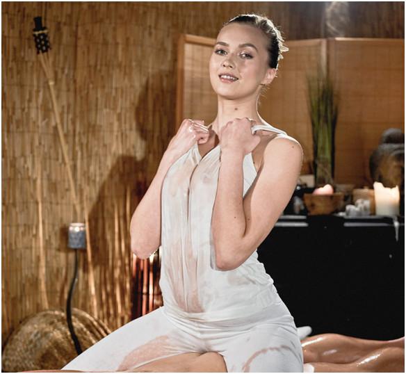 [MassageRooms] Stacy Cruz – Wonder Tits Teen Oil Body Massage